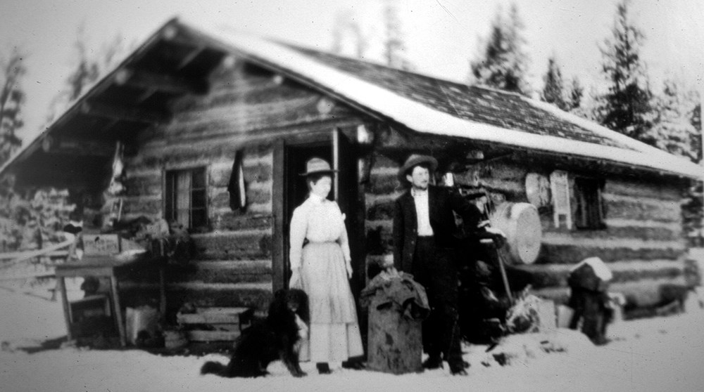 homesteading couple in 1910